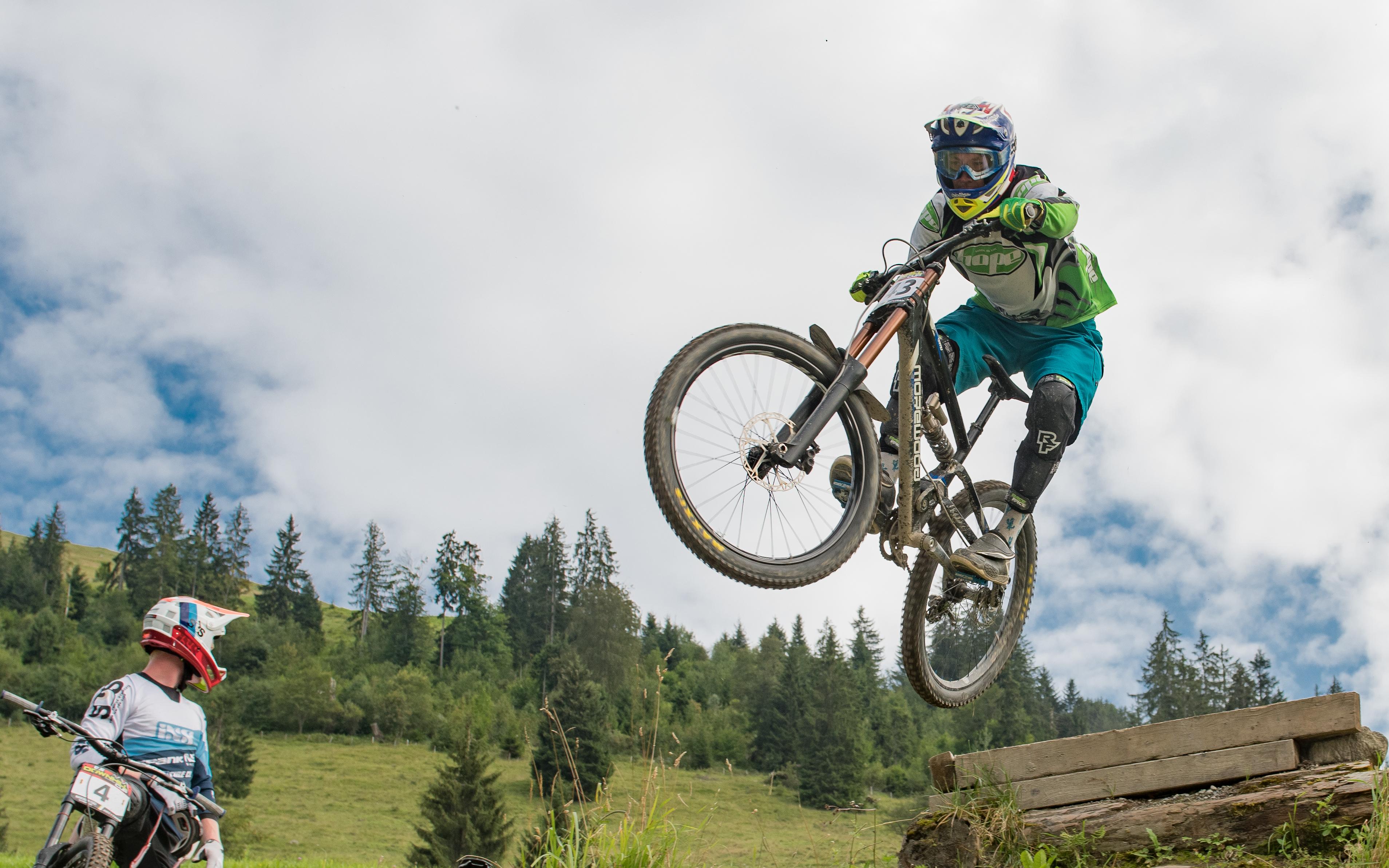 iXS Downhill Cup Wiriehorn (Foto: Naturpark Diemtigtal / Martin Wymann